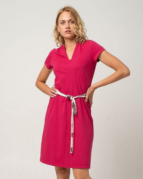 Alma & Lovis Kleid mit Kelch-Ausschnitt in Persian Red