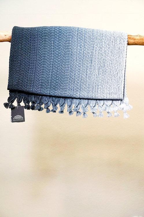 McKernan COSMO Schal mit sanftem Farbverlauf