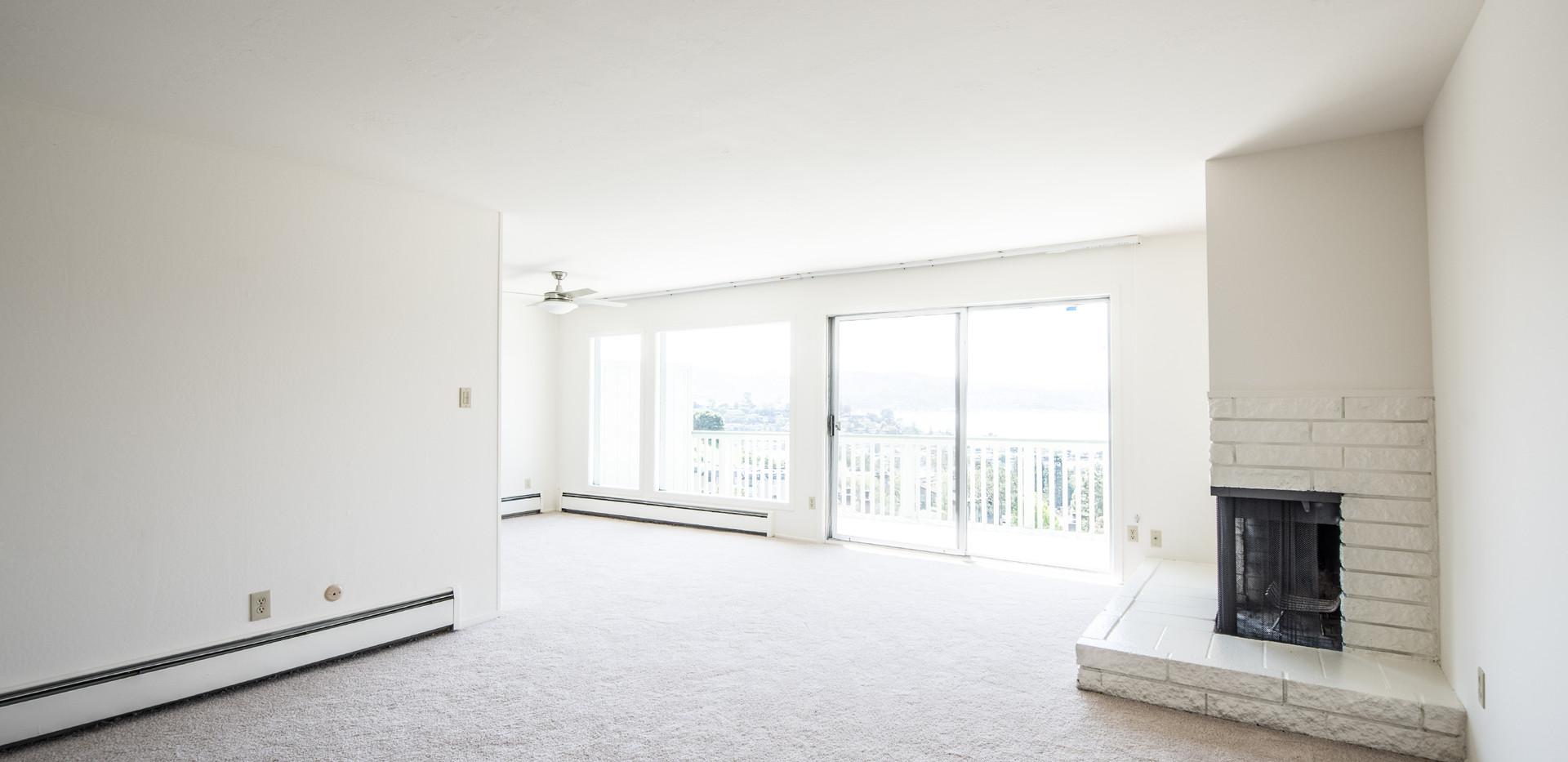 21 Marinero 305 Living Room 2.jpg