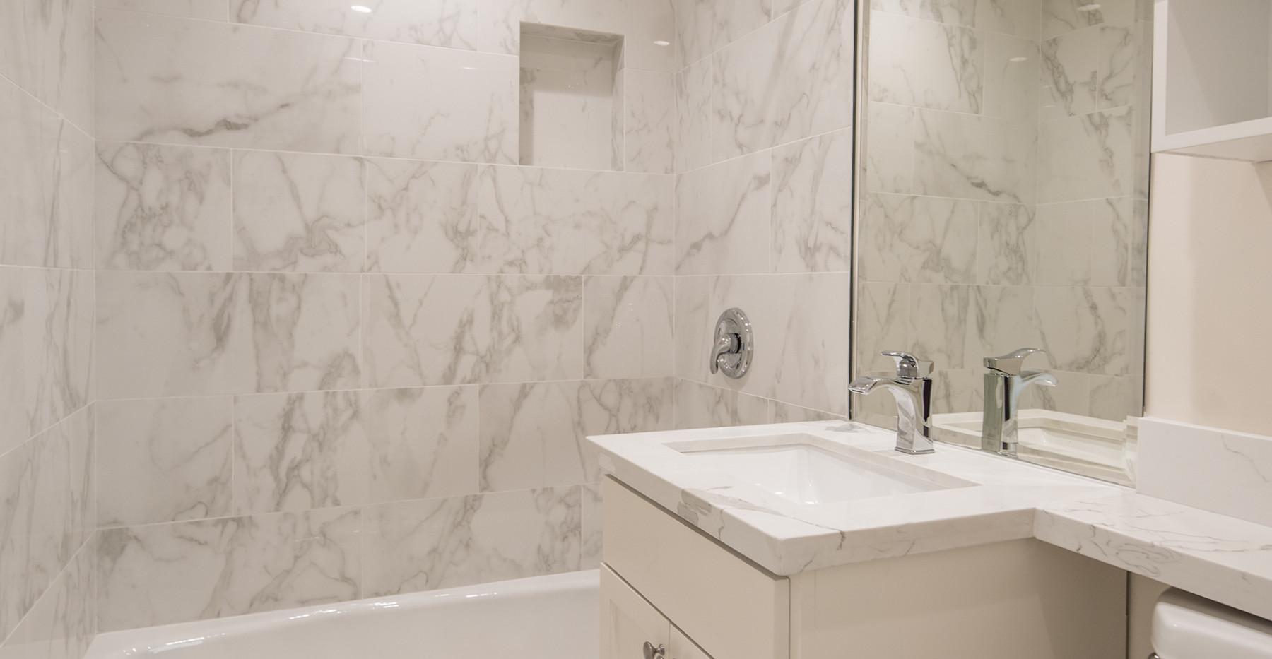 Marinero 105 Guest Bath - Copy.jpg