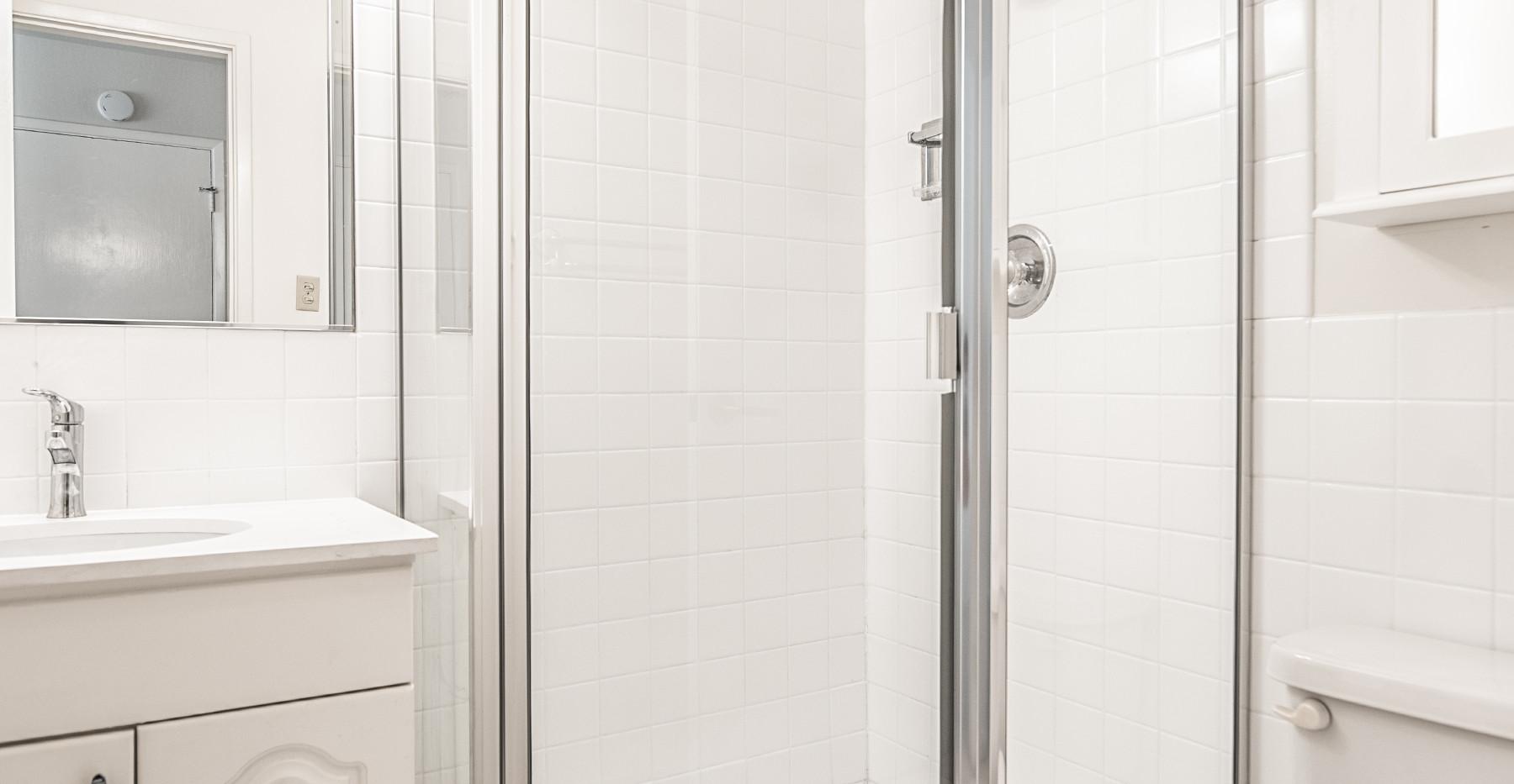 21 Marinero 305 Bath master .jpg