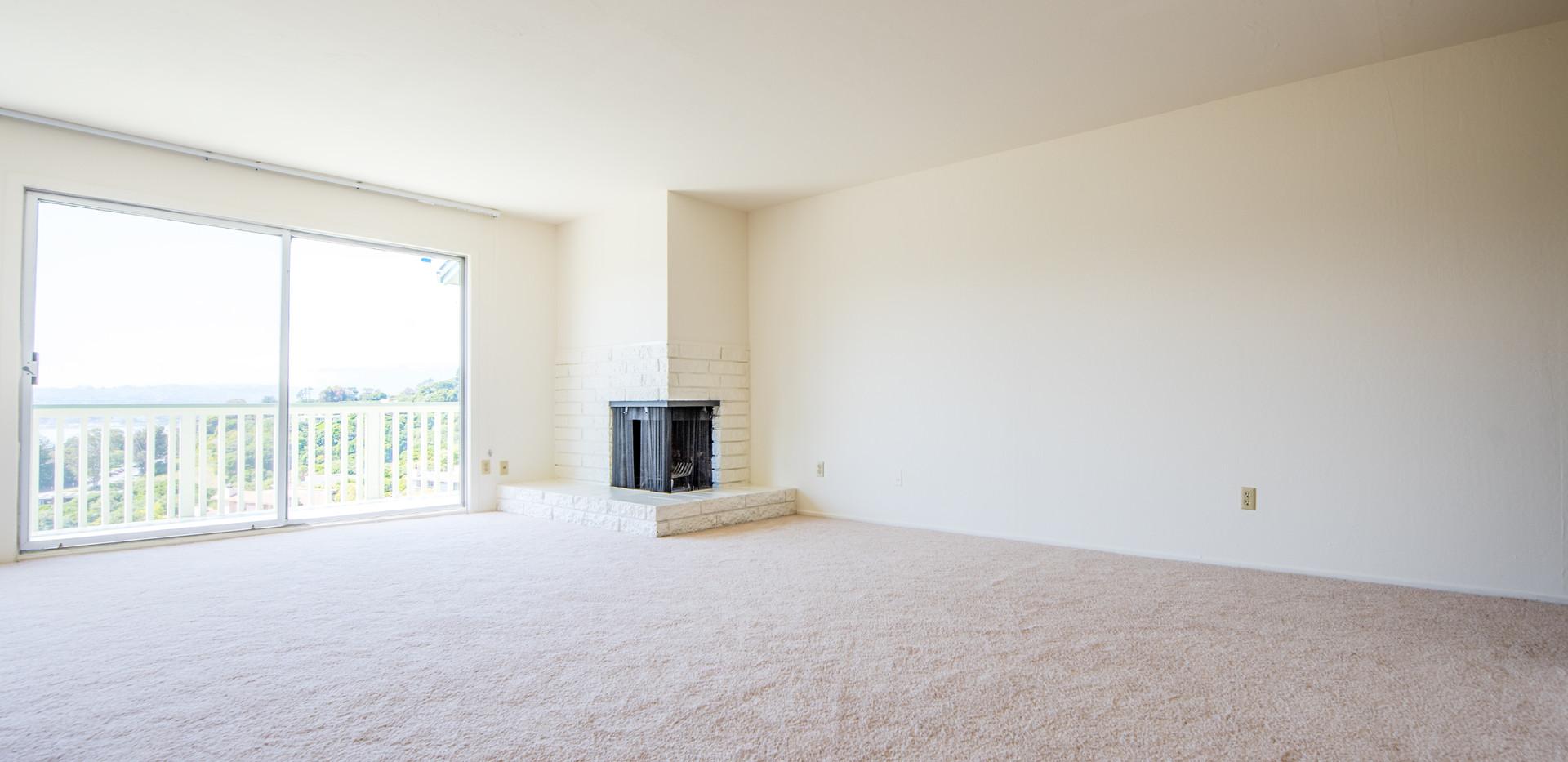 21 Marinero 305 Living Room.jpg