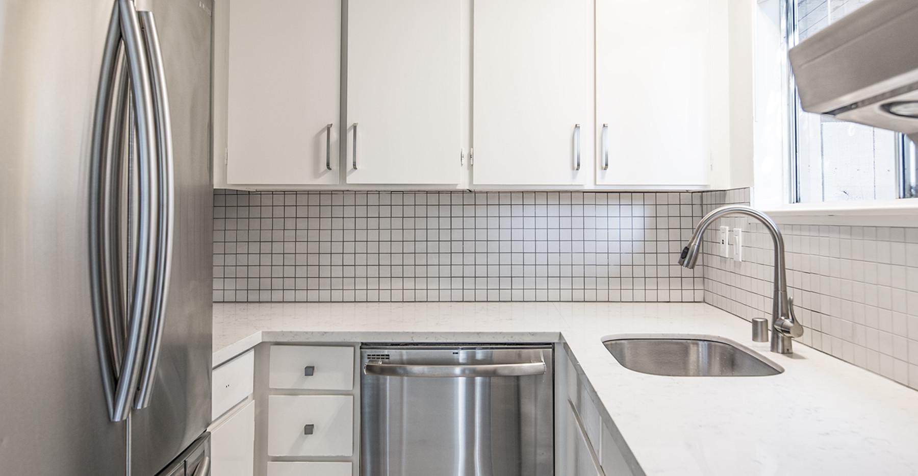 6 Lyford Dr unit 7 Kitchen 2.jpg