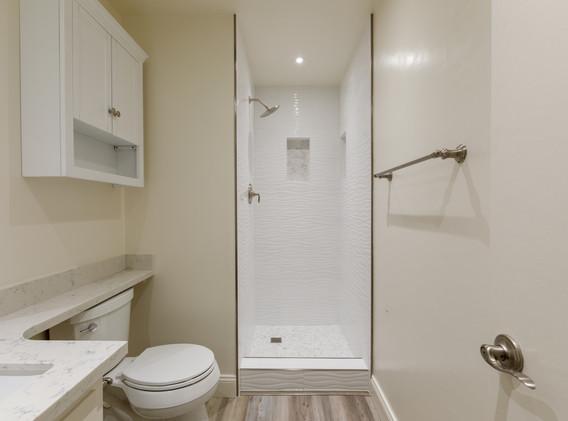 unit 203 bathrooms only_5d4_0541.jpg