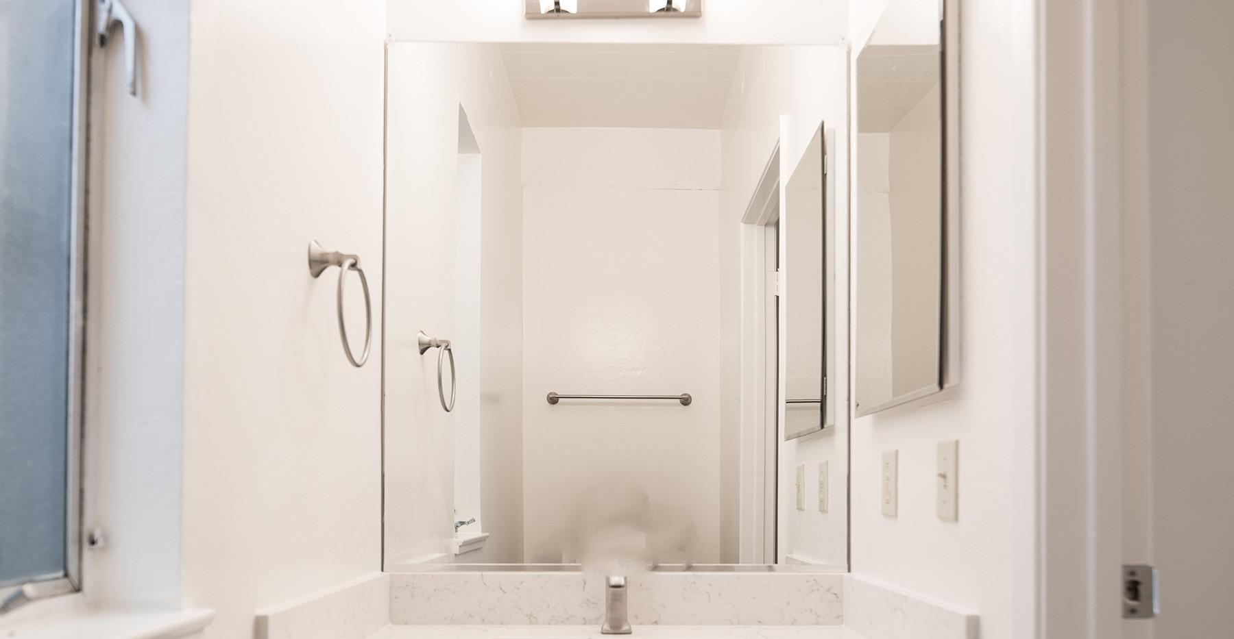 6 Lyford Dr unit 7 Guest Bath.jpg