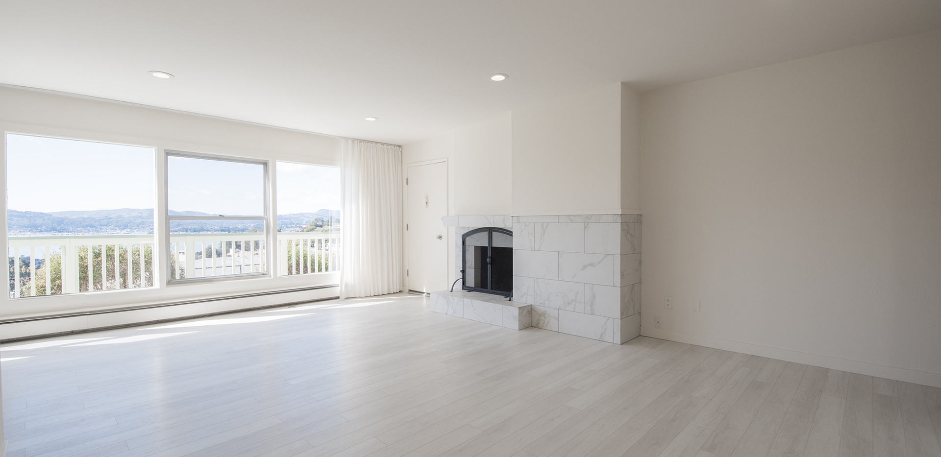 Marinero 105 Living Room 3.jpg