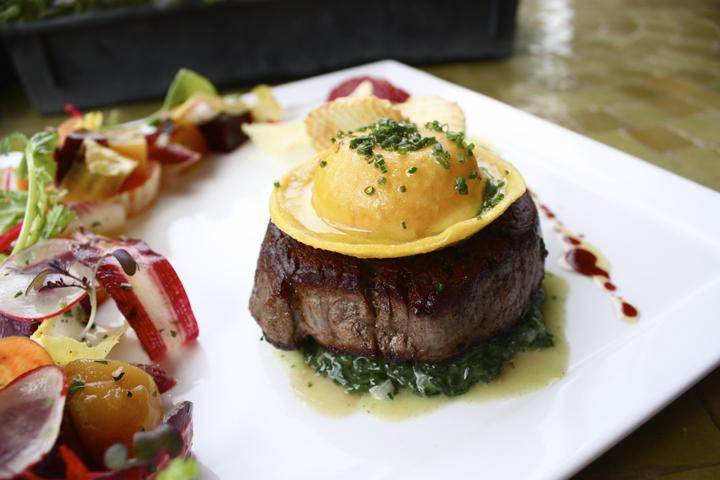 close-up-steak-plate2