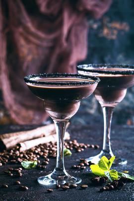 Must kokteil