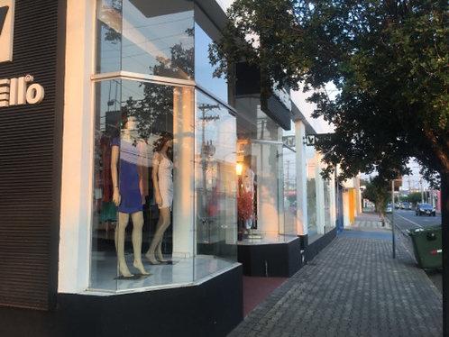 Vende-se Prédio comercial no centro de Indaiatuba 625 m2 com estacionamento.
