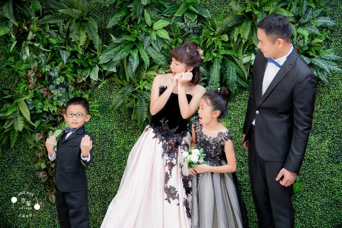 全家福推薦-京華婚紗-百坪大的室內外攝影空間 雅梅媽咪