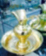 Esse lindo gomil (conjunto de Jarro e bacia) Jarra e bacia dourado peça liturgica restaurada