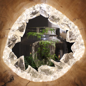 Nivens, Ring of glass sculpture