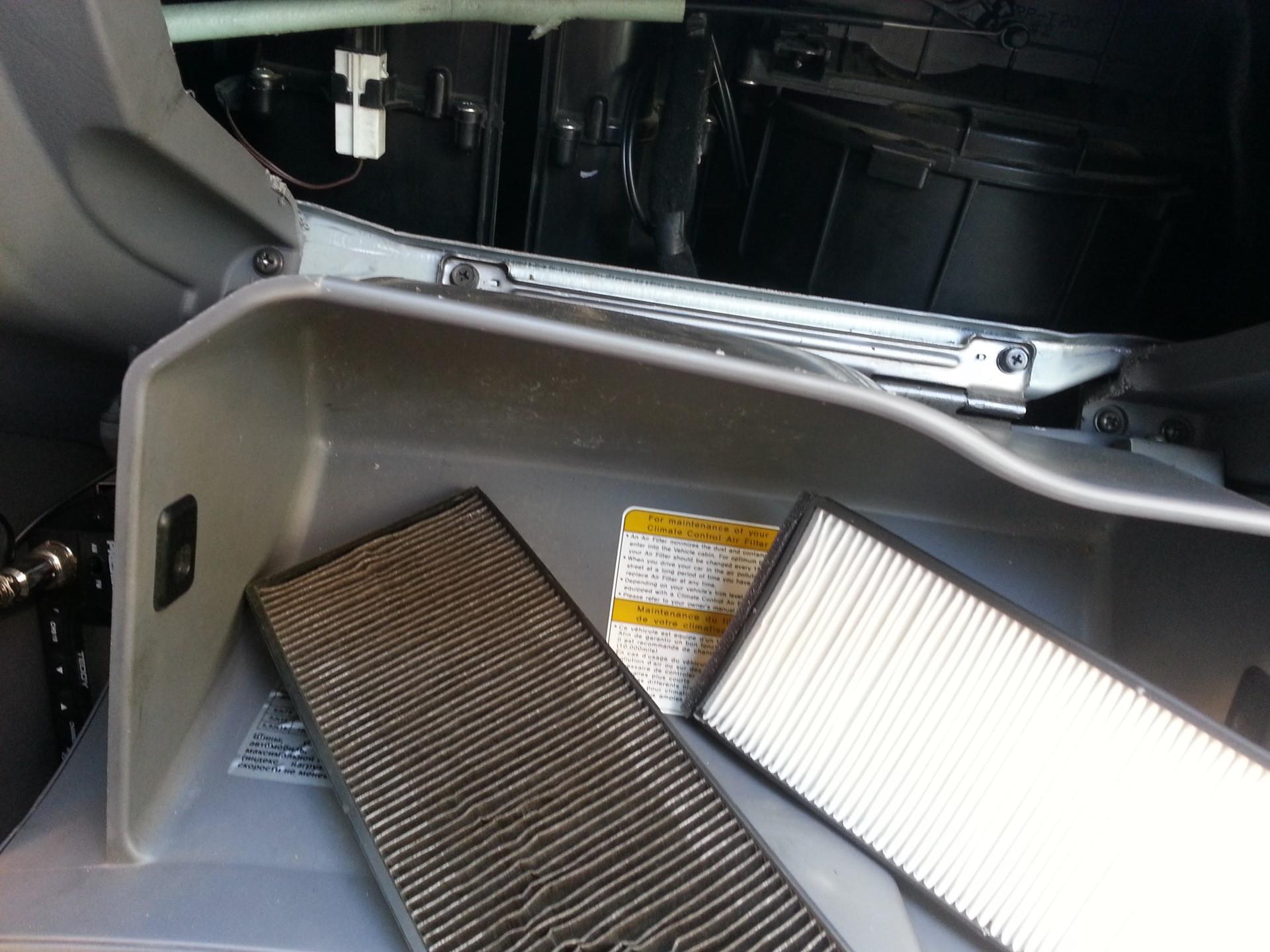 Замена салонного фильтра автомобиля