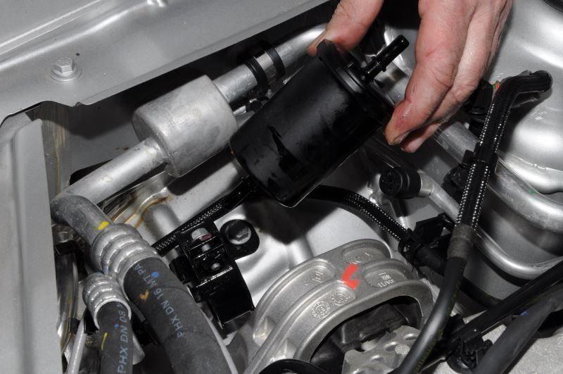 Замена топливного фильтра автомобиля