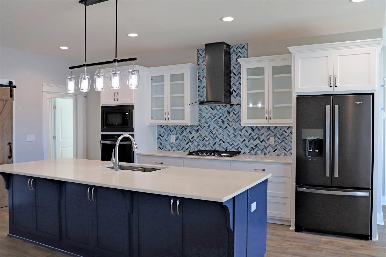 IMG_4098 - kitchen web.jpg