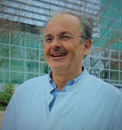Dr Bagatzounis
