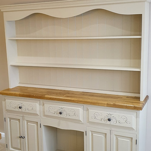 NEW 6' PAINTED DRESSER SOLID PINE. CAN BE MADE ANY SIZE OR COLOUR