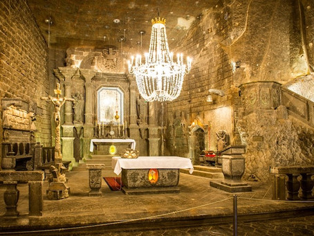 """This Exquisite """"Underground Cathedral"""" Has Been Carved Entirely Out of Salt"""