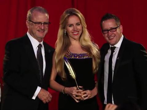 Oksana receives the Prestigious Quilly Award for Best-Selling Book (Hollywood, USA)