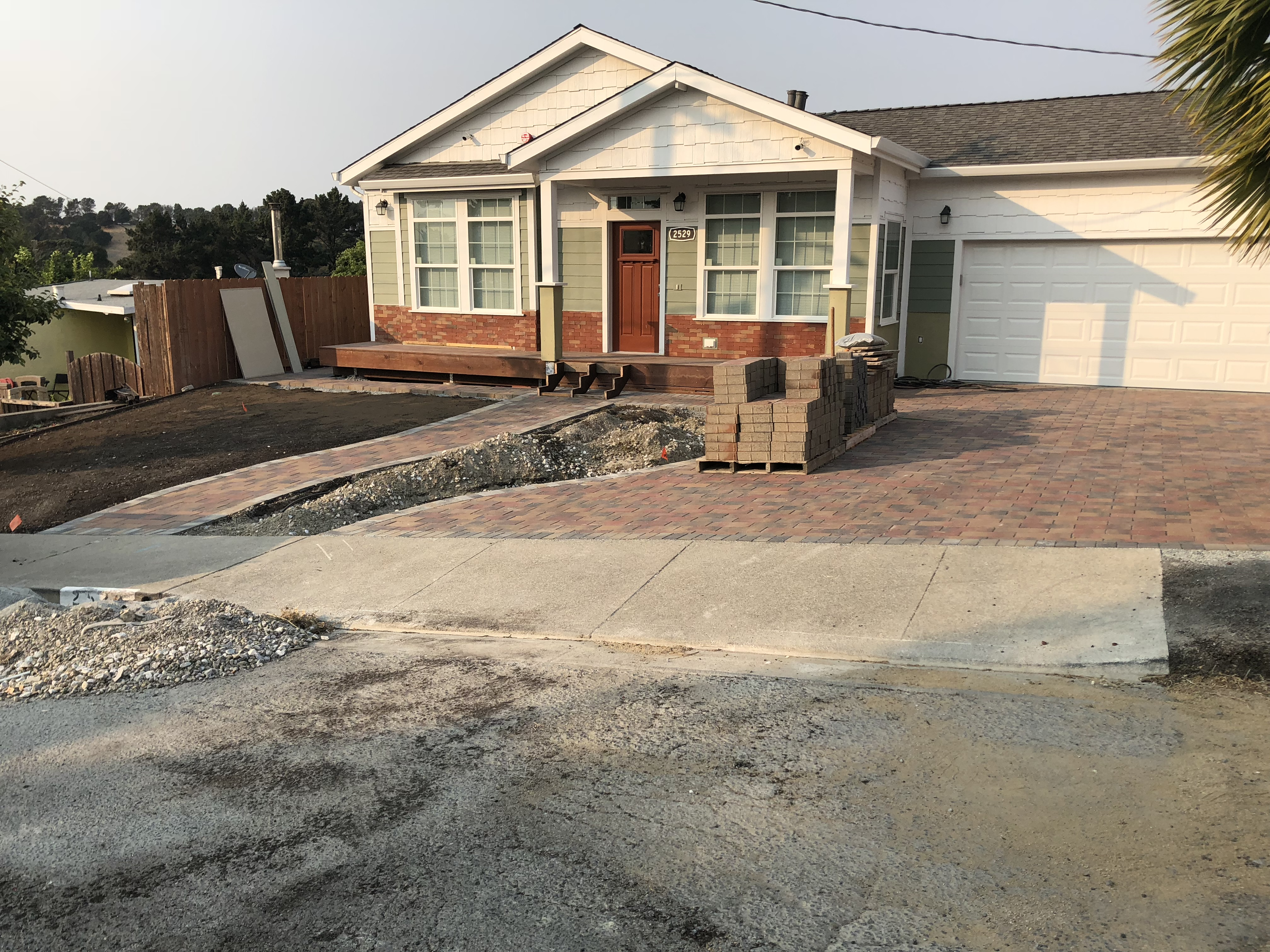 Driveway with permeable pavers