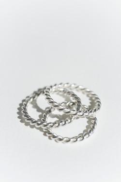 Anéis trançados