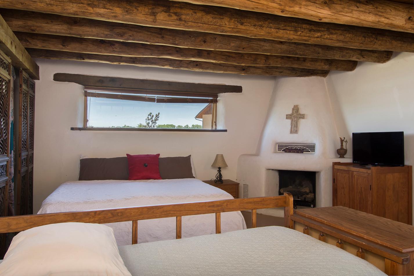 Guest-Bedroom-2.jpg