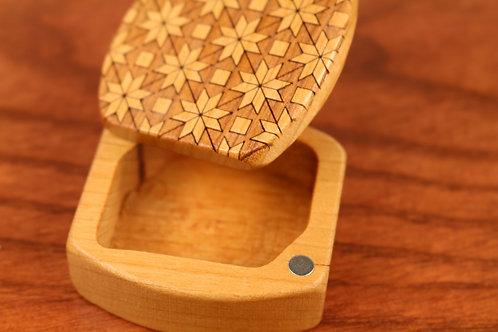 Quilt | Natural Wood Engraved Magnetic Storage Box | Laser Engraved