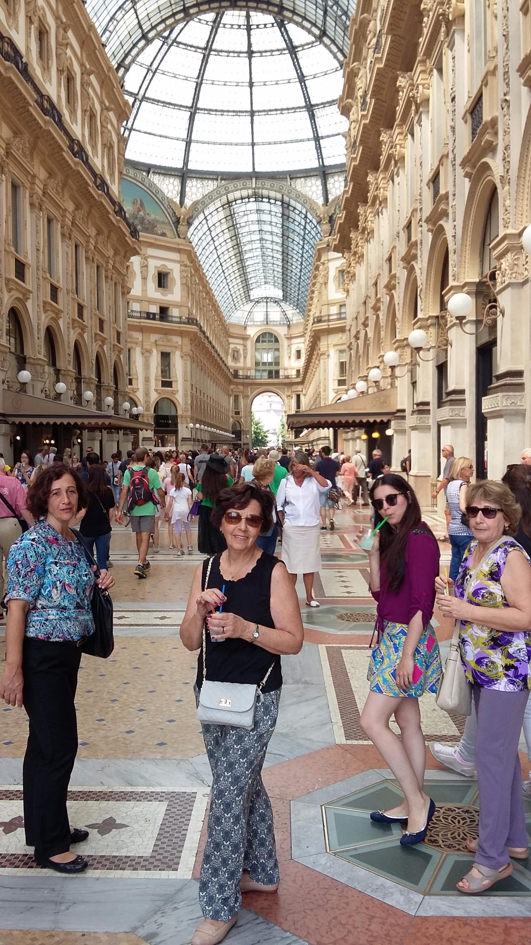 Evelyn, Nancy e Sandra na Itália