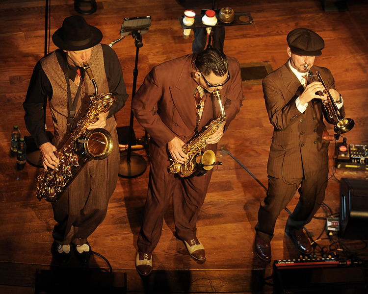 Big Bad Voodoo Daddy Horns