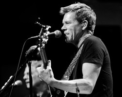Kevin Bacon / Bacon Brothers.jpg