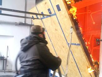 60 Minuten: 235 mm starke Holzwand mit hohem Feuerwiderstand