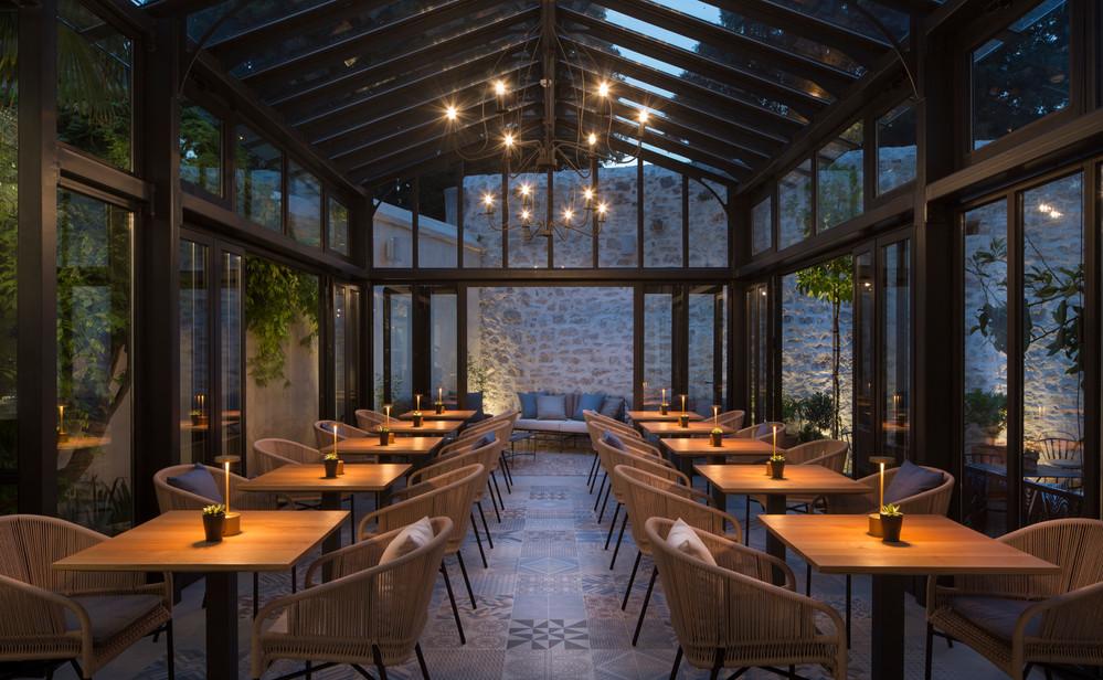 Almayer restaurant