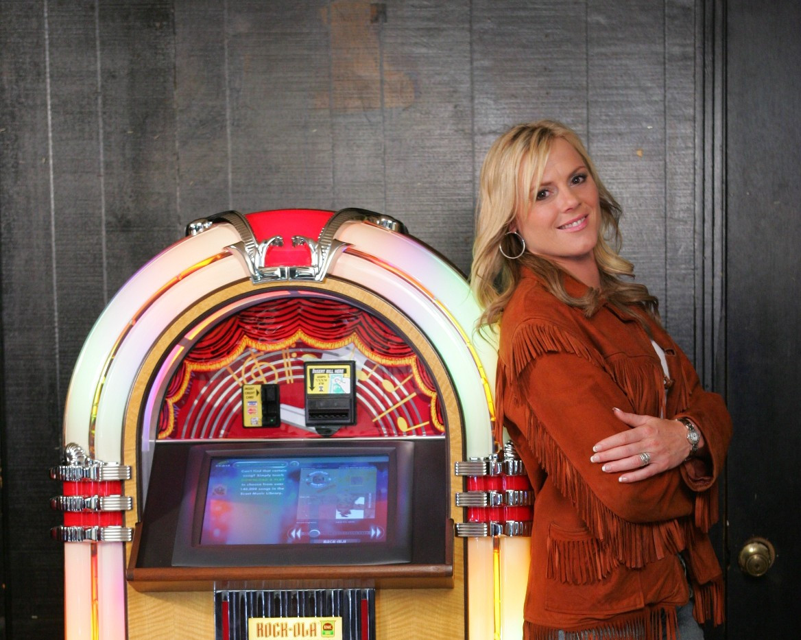 Ecast-powered Jukebox in Country Music Video (Nashville)