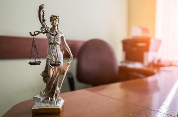 concepto-derecho-justicia-mazo-juez-libr