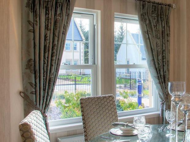 uPVC (plastic) Vertical Sliding Sash Window in white colour