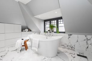 ARTium Design Build - Stunning Third Floor Ensuite