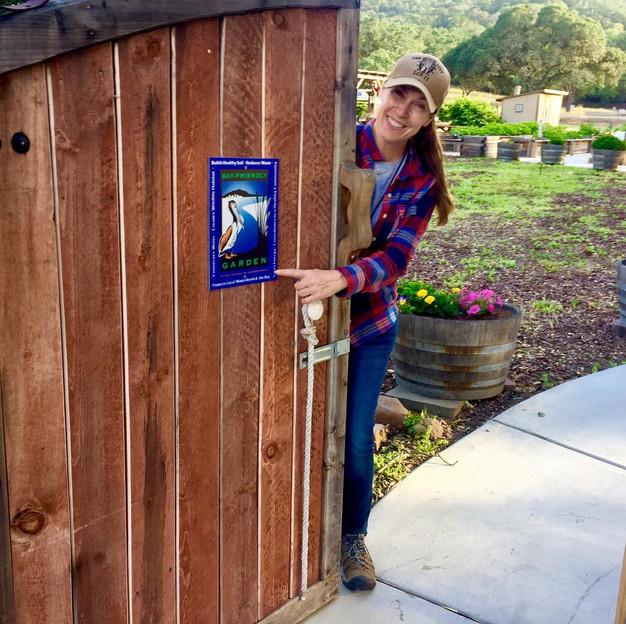 The Brains Secret Gardeners >> Napa S Bay Friendly Garden Tours Discovers Tug S Secret