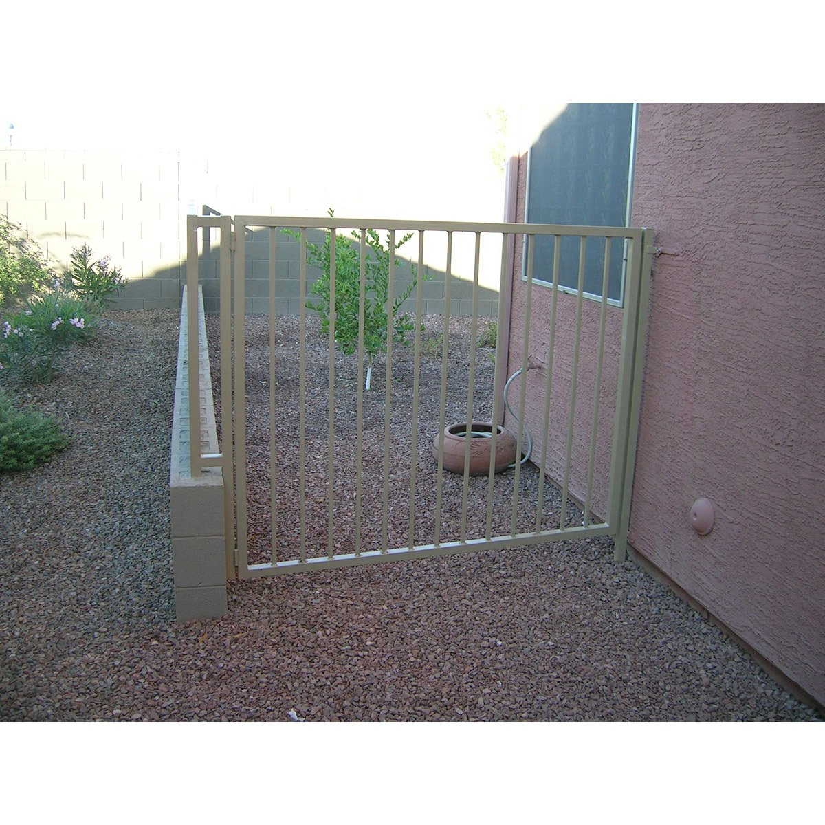 Basic Metal Gate.jpg