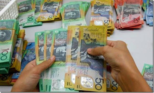 Australiandollars008_thumb.jpg