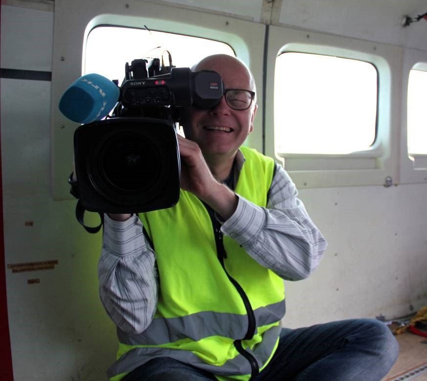 Special media guest on board during acquisitions