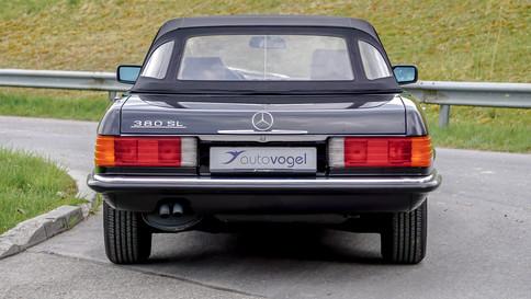 Mercedes-Benz_380SL_Cabriolet_0017_2048X1365.JPG