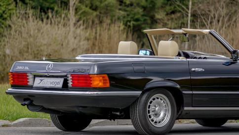 Mercedes-Benz_380SL_Cabriolet_0049_2048X1365.JPG