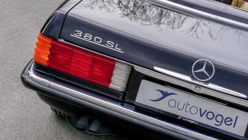Mercedes-Benz_380SL_Cabriolet_0045_2048X1365.JPG