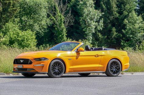 FORD MUSTANG CONVERTIBLE 5.0 V8 GT
