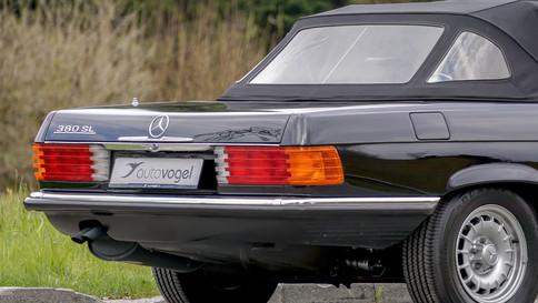 Mercedes-Benz_380SL_Cabriolet_0016_2048X1365.JPG