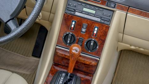 Mercedes-Benz_380SL_Cabriolet_0075_2048X1365.JPG