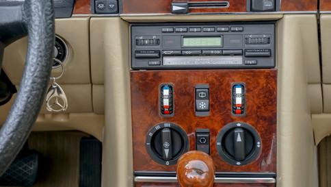 Mercedes-Benz_380SL_Cabriolet_0076_2048X1365.JPG