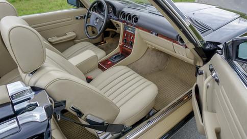 Mercedes-Benz_380SL_Cabriolet_0065_2048X1365.JPG