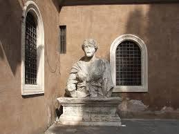 Говорящие статуи Рима. Мадам Лукреция