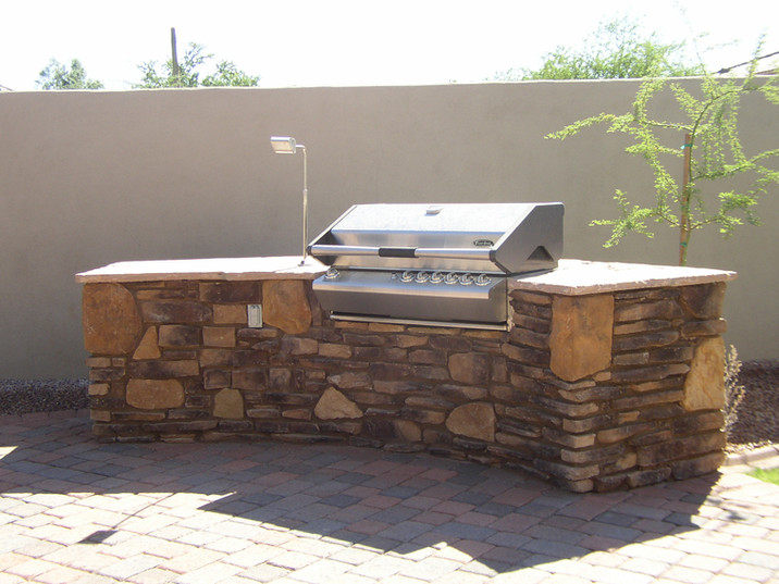 BBQ Structure with Stone